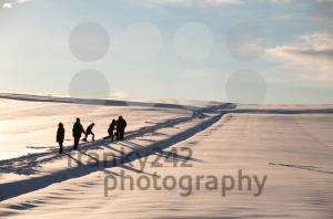 Walking-in-powder-snow2