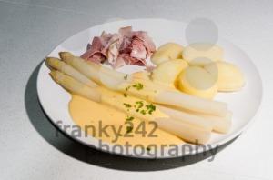 White-Asparagus-German-Asparagus-Meal