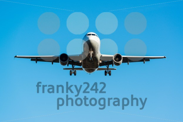 airplane landing - franky242 photography