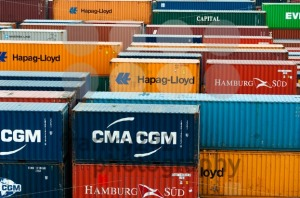 colorful-freight-containers