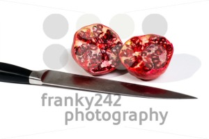 pomegranates-and-knife