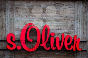 s.Oliver-logo-neon-sign
