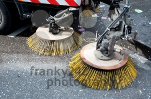 street-sweeper-machinecar