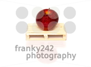 sustainable fruit shipment - franky242 photography