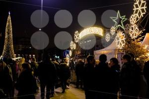 traditional-christmas-market-in-Hamburg-Germany2