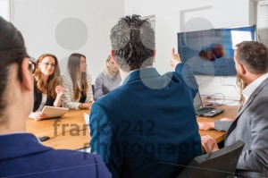 Discussion in business meeting - franky242 photography