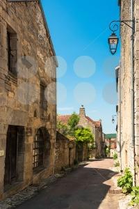 Beautiful building in Flavigny-sur-Ozerain - franky242 photography