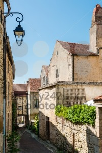 Beautiful street in Flavigny-sur-Ozerain - franky242 photography