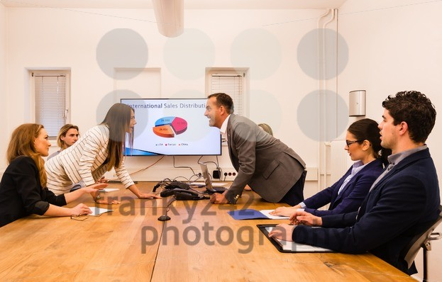 Conflict in the office - franky242 photography