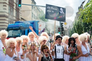 Marilyn Monroes on Christopher Street Day 2015 in Stuttgart, Germany - franky242 photography