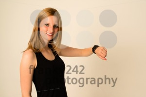 Young woman is wearing the Apple Watch - franky242 photography