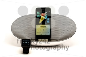 Apple Music – iPhone in Loudspeaker being controlled by the Apple Watch - franky242 photography
