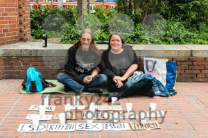 homeless couple is asking for support - franky242 photography