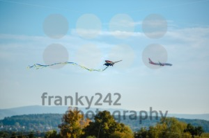 Kite and airplane - franky242 photography