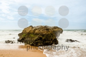Ocean crashing over rock - franky242 photography