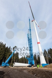 Construction of a wind turbine - franky242 photography