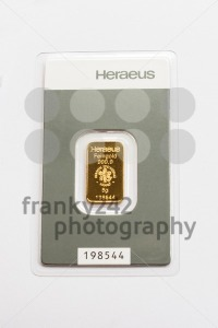 Tiny gold bar - franky242 photography
