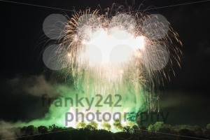 Huge Green Fireworks - franky242 photography