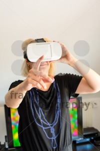 Woman wearing VR glasses - franky242 photography