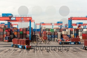 Autonomous driving straddle carrier serving containers in the Altenwerder Container Terminal in Hamburg - franky242 photography