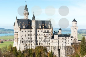 Beautiful view of world-famous Neuschwanstein Castle - franky242 photography