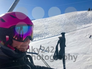 Female skier in ski lift - franky242 photography