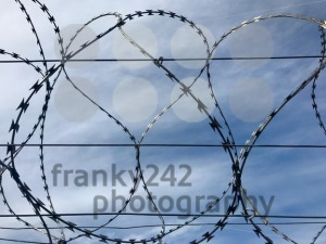 Barbed wire and sky - franky242 photography