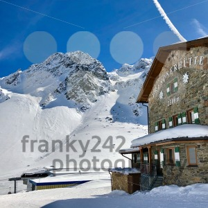 Alpine hut Dresdner Huette in Stubai - franky242 photography