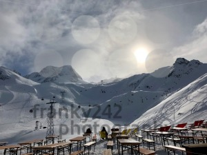 People resting in the Stubai glacier ski resort - franky242 photography