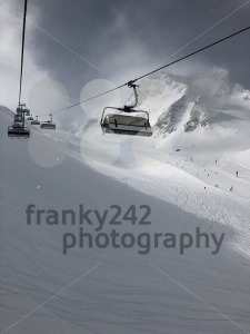 Skilift in the Stubai glacier ski resort - franky242 photography
