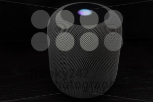 Using an Apple HomePod speaker - franky242 photography