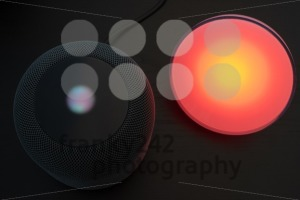 Using an Apple HomePod speaker to control a smart light - franky242 photography