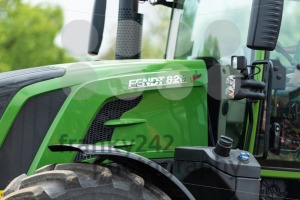 Closeup of the agricultural tractor FENDT 828 Vario on the fields - franky242 photography