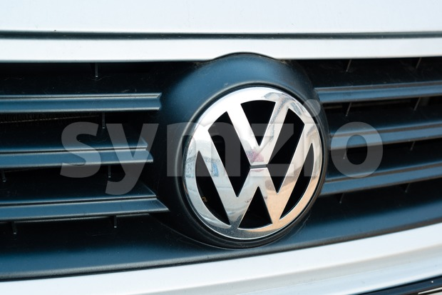 Close up of Volkswagen logo on the grille of a VW Polo Stock Photo