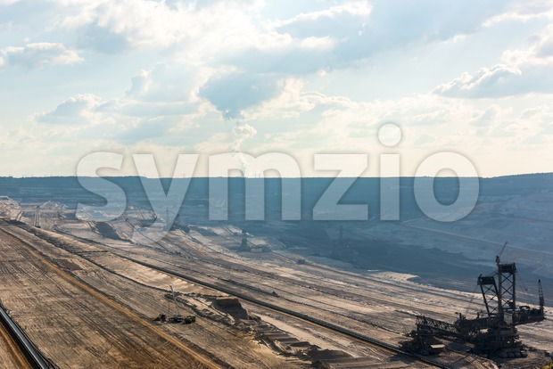 Overview of very large backloader at work in a lignite (browncoal) mine Stock Photo
