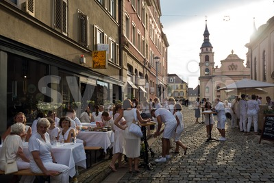Le Diner En Blanc - the white dinner Stock Photo