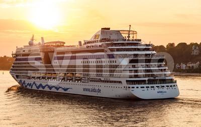 AIDAluna cruise ship is leaving Hamburg Stock Photo