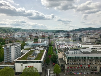 Stuttgart, Germany - May 24, 2013: Famous shopping promenade Koenigstrasse, between Koenigsbau and Schlossplatz square. On the right, the new art Stock Photo