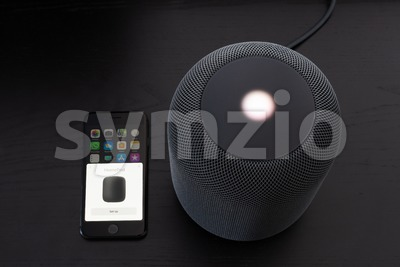 Installing an Apple HomePod speaker Stock Photo