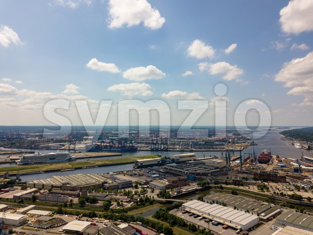 Arial view on Hamburg port with an Aida cruise ship and the Cosco Shipping Leo container ship Stock Photo